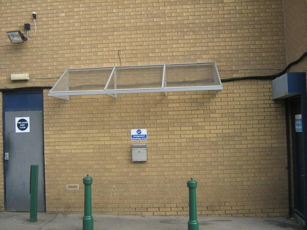 3Mtr Wall Mounted Smoking Canopy