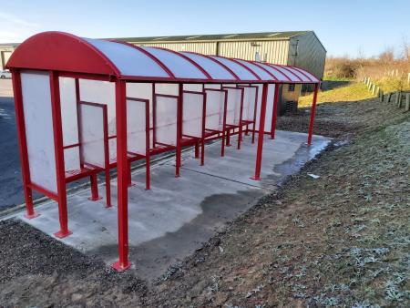 HD Smoking Shelter with Partitions